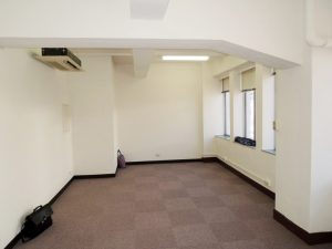 事務所内リフォーム 間仕切り壁・扉・照明器具取付他